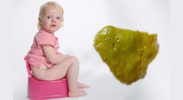 Стул ребенка ярко желтый стул