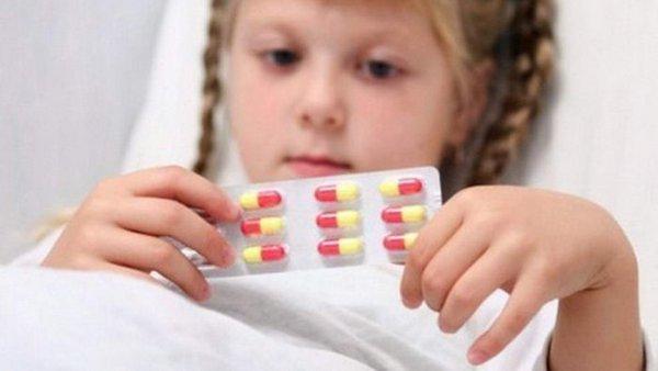 Понос после антибиотиков у ребенка что делать