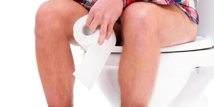 Жидкий стул у взрослого длительное время: причины, лечение